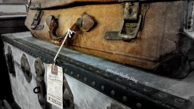 suitcases2-003